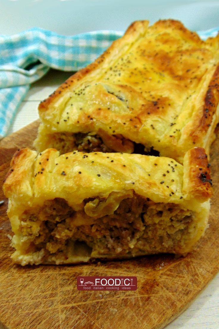 Torta Rustica salsiccia, funghi e formaggio