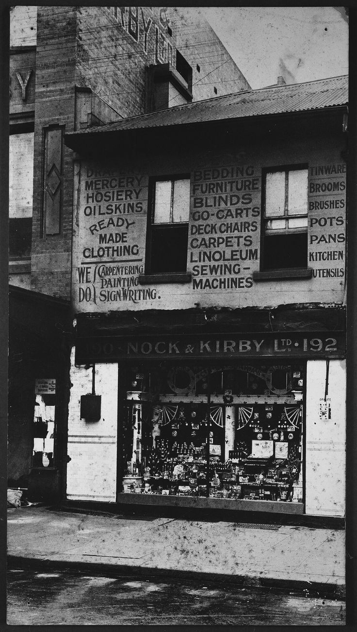 Nock & Kirby store at Circular Quay in Sydney in 1909.