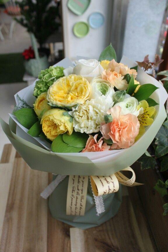 꽃다발                                                                                                                                                                                 More