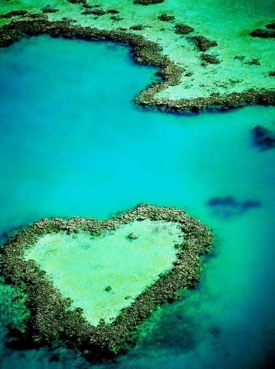Barrera de Coral, Australia. Heart shaped island.