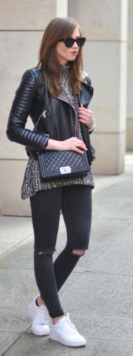 Street style | Moto jacket, sweater, black skinnies