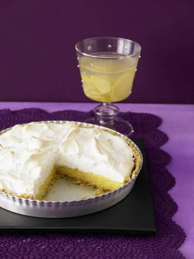 En god dricka med smak av citron och ingefära – passar bra till söt dessert som limepaj.