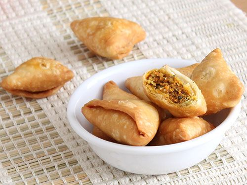 Dry Samosa with delicious sweet, sour and spicy filling - a delicious tea time Indian snack