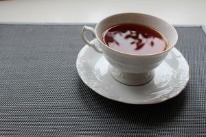Miracolul aflat la dispozitia tuturor: Ceaiul de rozmarin! Fortifiaza organismul, incetineste procesul de imbatranire, stimuleaza memoria, lupta cu radicalii liberi si te poate ajuta sa scapi de cateva kilograme in exces.  #Ceai #BeneficiiCeaiuri #CeaiRozmarin #Rozmarin