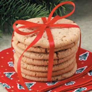 Anise Icebox Cookies-I am so in love. . .another cookie recipe with ANISE!! Love icebox cookies because of the snap they have when you bite into them.  :)