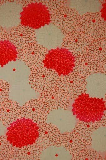 和の赤は、美しい。  VINTAGE WOOL KIMONO FABRIC:Lovely Chrysanthemum#39Z