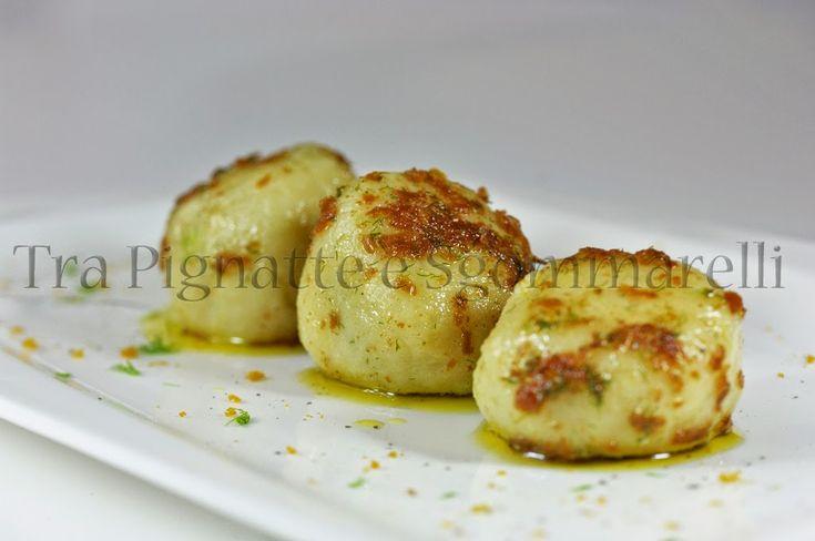Le mie ricette - Gnocco con cuore di cozza, condito col olio alla bottarga e finocchietto selvatico | Tra Pignatte e Sgommarelli