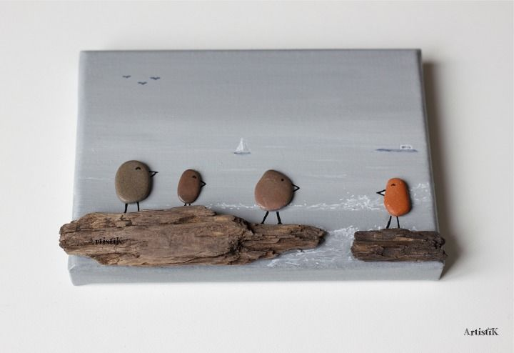 Tableau galets bois flotté mer oiseaux fond gris – Tableau famille mer grise - Dessin humoristique – Déco