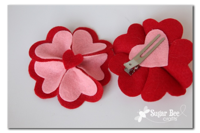 felt heart hair clip - these would be cute in green for St. Patrick's Day too.