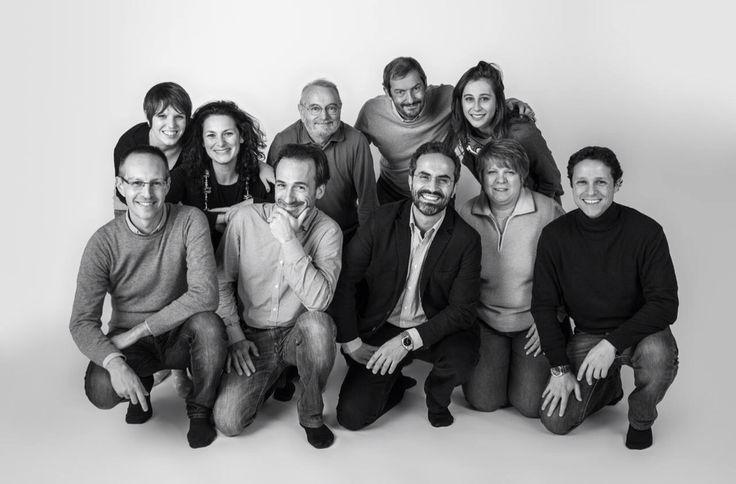 Foto ricordo del primo gruppo di corsisti del Corso Base di Fotografia 2014. Peccato mancassero in quattro per lo scatto!