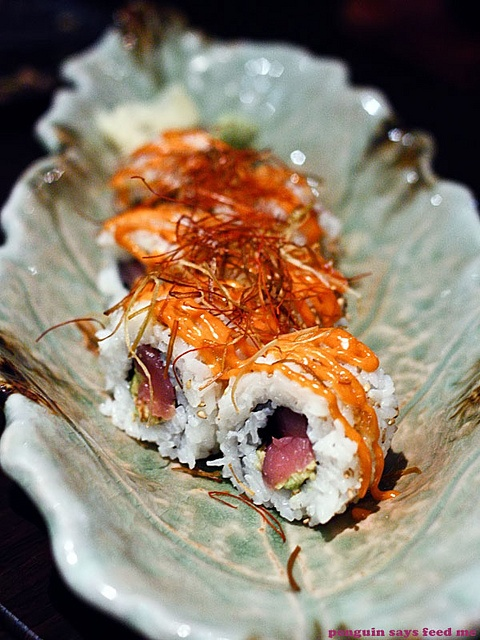 The spicy tuna and avocado roll was an inside-out roll of tuna and avocado, drizzled liberally with a spicy mayonnaise and topped with deep fried strands of spring onions.