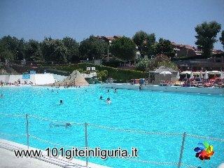http://www.101giteinliguria.it/index.php/ce-il-sole/savona/517-parco-acquatico-le-caravelle