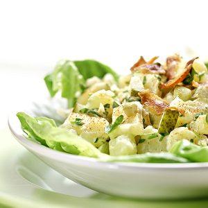 Νόστιμη πατατοσαλάτα με λαχανικά