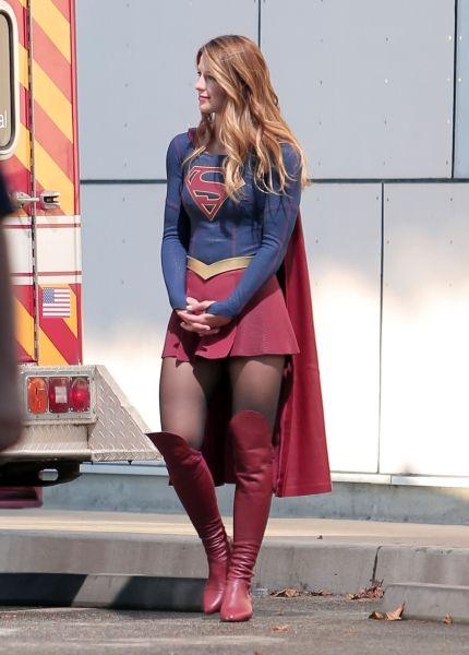 http://www.dcplanet.fr/156175-supergirl-quelques-photos-du-tournage?utm_content=bufferdd123