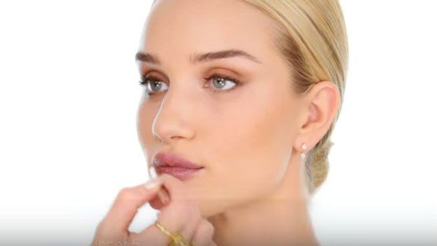 Shape The Lips With Barry M. Lip Liner in Russet | Rosie Huntington-Whiteley Makeup Tutorial, check it out t http://makeuptutorials.com/rosie-huntington-whiteley-makeup-tutorial
