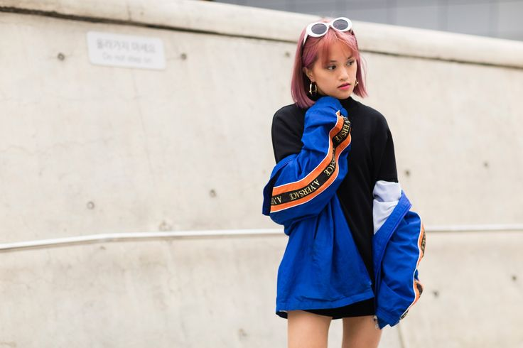 See the best street style from Seoul Fashion Week.