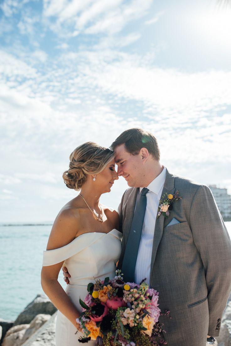 beach wedding south west uk%0A Beach wedding photo idea  bride   groom  Photo by  jesseniagonz