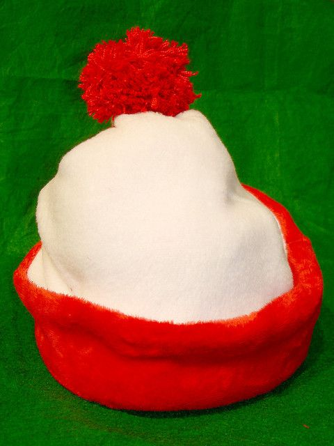 How to make a Where's Waldo hat