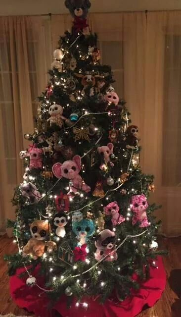 Elf on the shelf decorated the tree with soft toys #beanieboos #ty