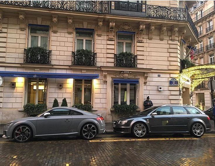 A quattro GmbH (Audi Sport) cars reunion - which would you choose? The 5 cylinder rocket  or The 1st v8 RS4?  Audi TTRS - 5 cylinder - 400hp Audi RS4 B7 - v8 - 420hp   @fabien.rphotography  ---- oooo #audidriven - what else ---- . . . . #AudiTTRS #AudiRS4 #TTRS #RS4 #quattro #AudiSport #5cylinder #quattroGmbH #paris #france #audifrance #cityoflove #parisienne #parisian