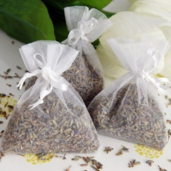 Lavender buds instead of rice to throw...maybe from the Ojai farmers market? @Karen Nedivi