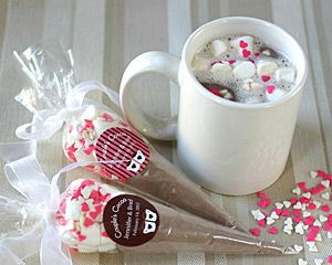 Hot Chocolate Wedding Favors! I think my guest will really appreciate this at 1AM on January 1, 2014! :-) #QLPContests #WeddingFavors