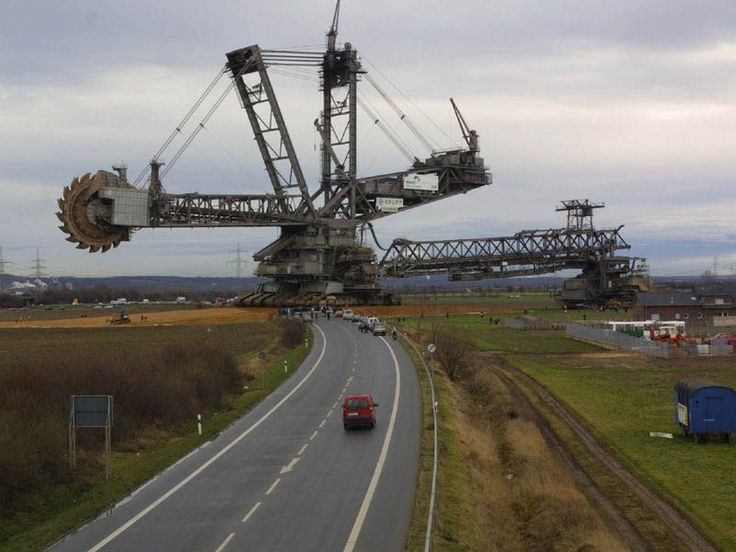 The Largest Land Vehicle in the World | See More Pictures