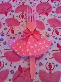 http://www.babyshowerinfo.com/themes/girls/tutu-cute-baby-shower-theme/ - Tutu Cute Baby Shower Theme
