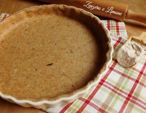 Una pasta brisée integrale aromatizzata al rosmarino, perfetta per variare un po' la base delle nostre torte salate. Facilissima da preparare.