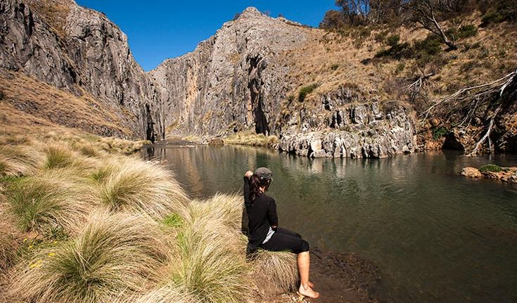 The 5km Clarke Gorge walking track follows Cave Creek downstream through limestone gorges and cave formations. Stop along the way to do some fishing and birdwatching.
