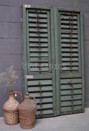 Accessoires - Landelijke accessoires in brocante stijl zoals spiegels wandrekken zeep kussens jeanne d'arc magazine maria beelden hartjes emaille en servies - Old-BASICS - Webwinkel