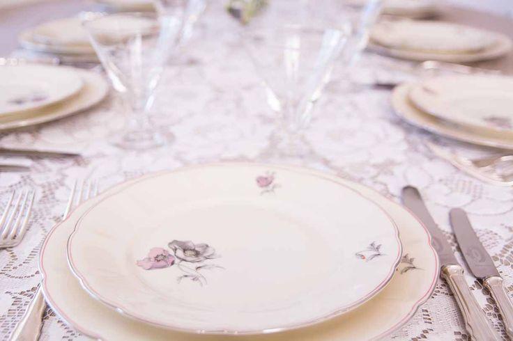 Enkelt og elegant valmuemønster i grått og blek rosa. 2x10stk
