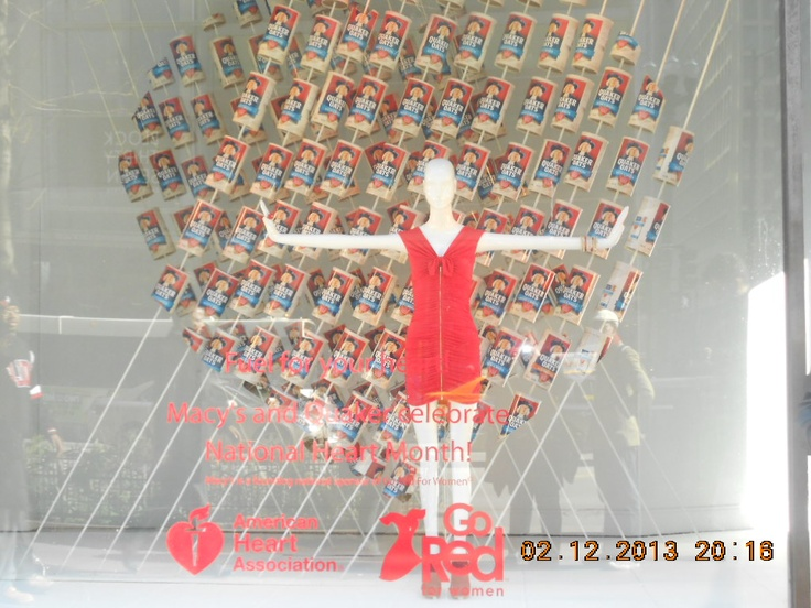 So when I was down visiting my fiancee and doing my stuff, we encountered one of Downtown Chicago's largest retail Macy and their mannequins position. And as obvious, this theme is towards Valentine's Day. :) Now would you look at this! Oatmeal cans! Wonderful! It brings out the mannequin very well. The colors of the image proven on the can brings out its color realistically.