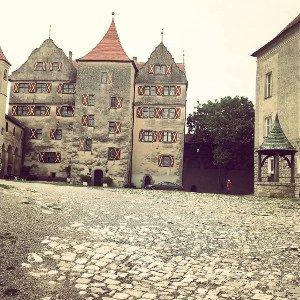 In questo articolo ti consiglio i dieci castelli della Baviera che secondo me meritano di essere inseriti in un viaggio culturale, alcuni sono meno visitati dalla massa quindi ideali per itinerari lontani dai soliti tour.