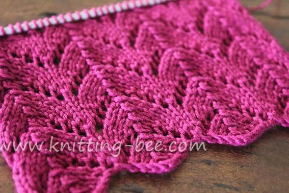 Horseshoe Lace Knitting Stitch - I've done this stitch and it is both fun to work and simple to do!