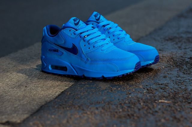 NIKE AIR MAX 90 GS (COLOUR PACK) | Sneaker Freaker