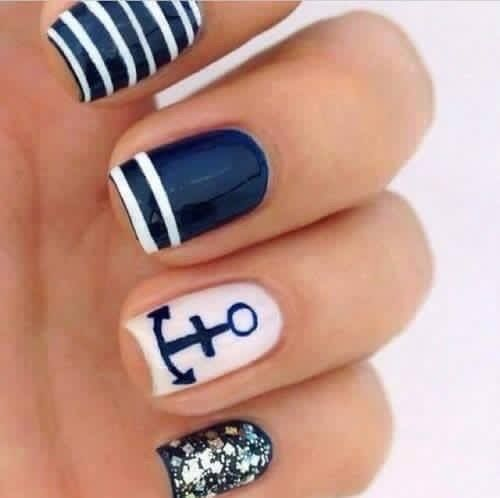 Cute nails for a cruise