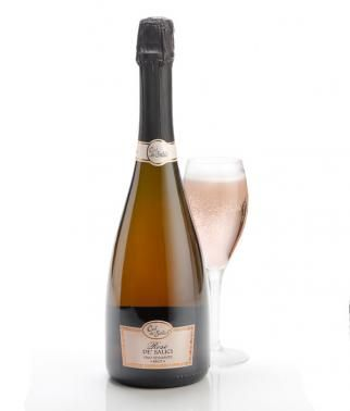 Col De'Salici Rose De'Salici Brut Wine. Christmas Drink from Simply Thank You comes complete with Gift wrap and message card as standard. Surprise and Delight your loved one with a bottle of their favourite tipple this Christmas. #wine #alcohol #bubbly #champagne #christmas