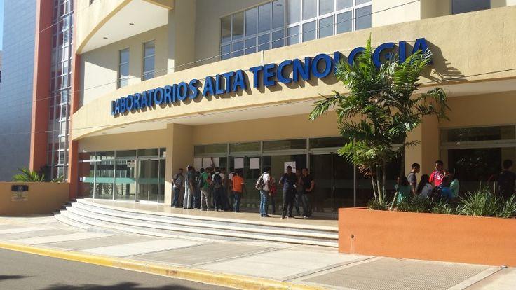 Estudiantes UASD exigen la apertura de los Laboratorios de Alta Tecnologia