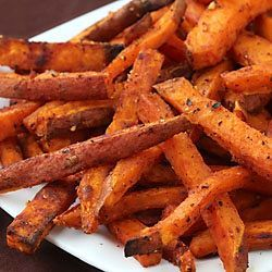 oven-roasted sweet potato fries ~ so simple to make these crisp, flavorful, irresistible fries at home!