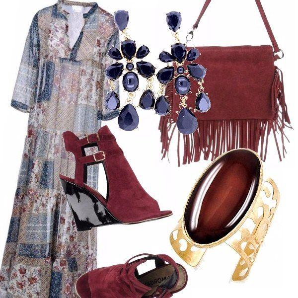 """Se ti piacciono gli abiti lunghi stile gipsy come questo in patchwork, prova ad indossarlo con delle zeppe più """"eleganti"""", una borsa con la frange ed accessori in tono come questi orecchini blu intenso e bracciale stupendo statement!"""