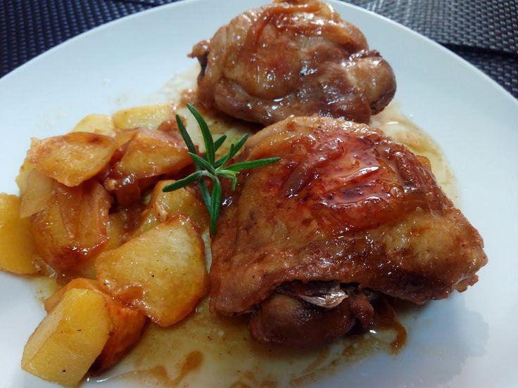 El pollo, junto con el pavo, son opciones de comer carne reduciendo la cantidad de grasa.Hoy cocinamos contramuslos de pollo