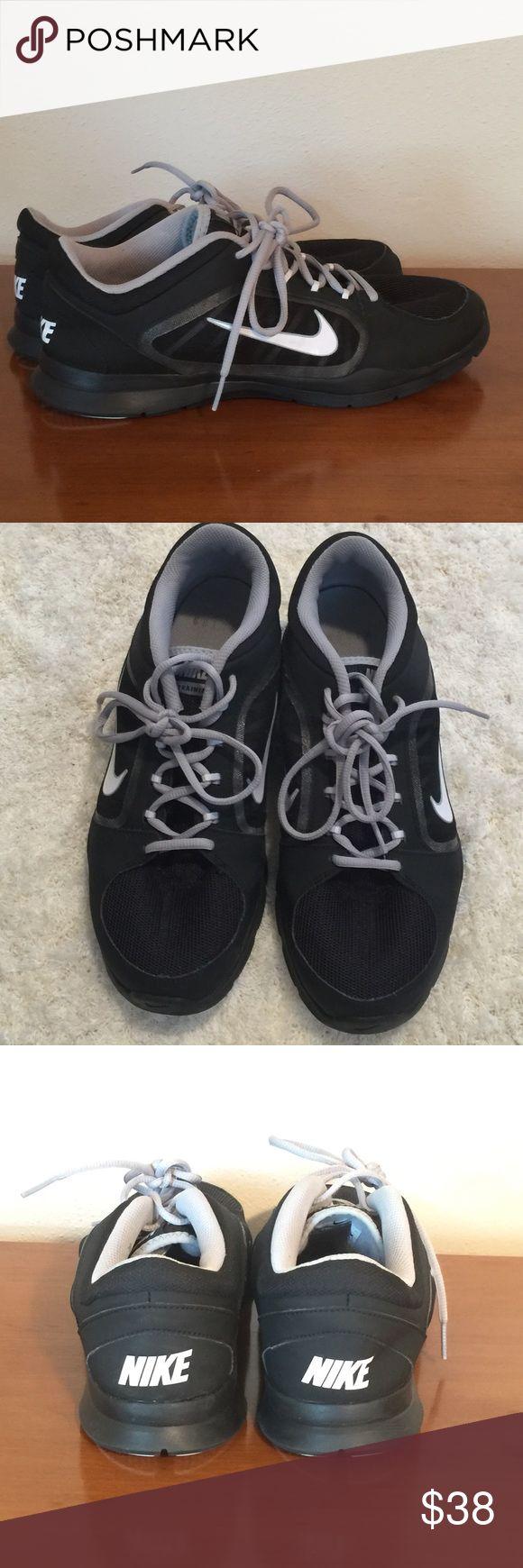 Like new Nike trainers EUC black/ gray/ white 04/08/14 Nike Shoes Athletic Shoes