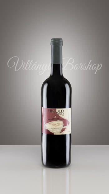 Arnold Portugieser 2012  A 2012-es év a portugieser szőlőnek igen kedvező volt. Magas cukorfokkal érett be, mely lehetővé tette, hogy a bor rövid érlelés után, könnyeddé és bársonyossá váljon.