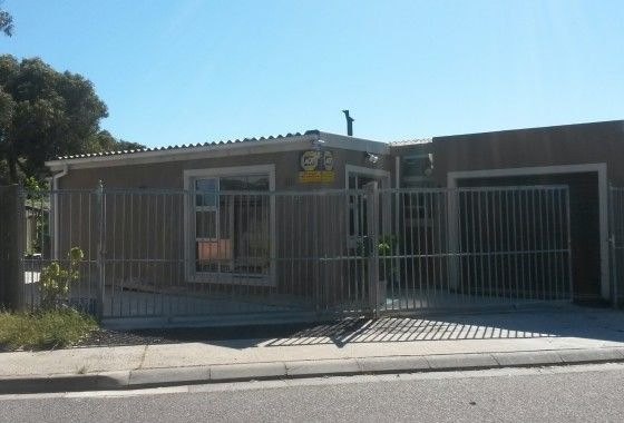 3 bdrm house for sale in Woodland Mitchells Plain
