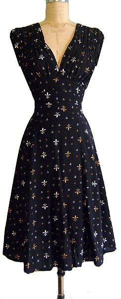 Mini Fleur:  1940s Dress - 100% Rayon - Size 6