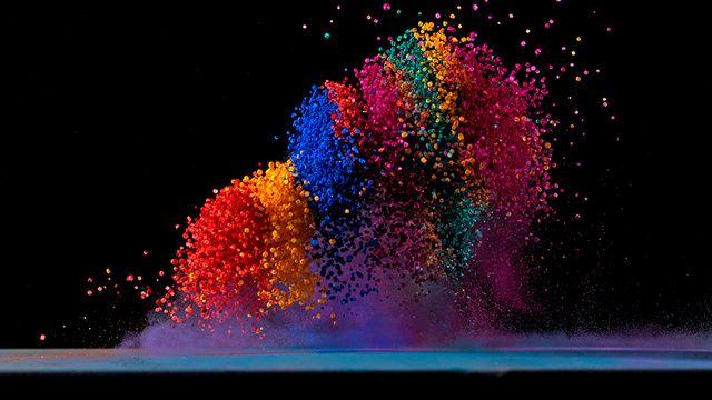 La danse aérienne des pigments et des sons   The Creators Project