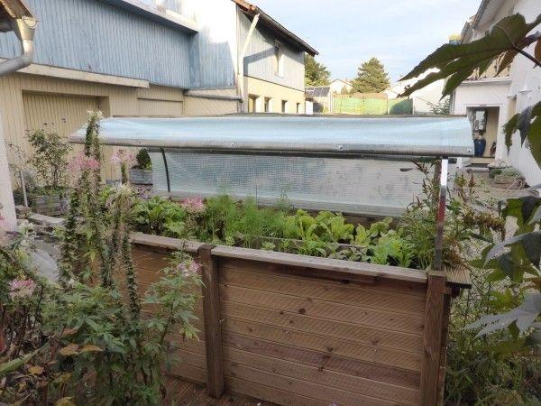 Ich Kann Das Dach Hier Beim Probesitzen Mit Erst Zwei Flachstangen Auf Verschiedenen Positionen Hochklappe Hochbeet Hochbeet Selber Bauen Haus Und Garten