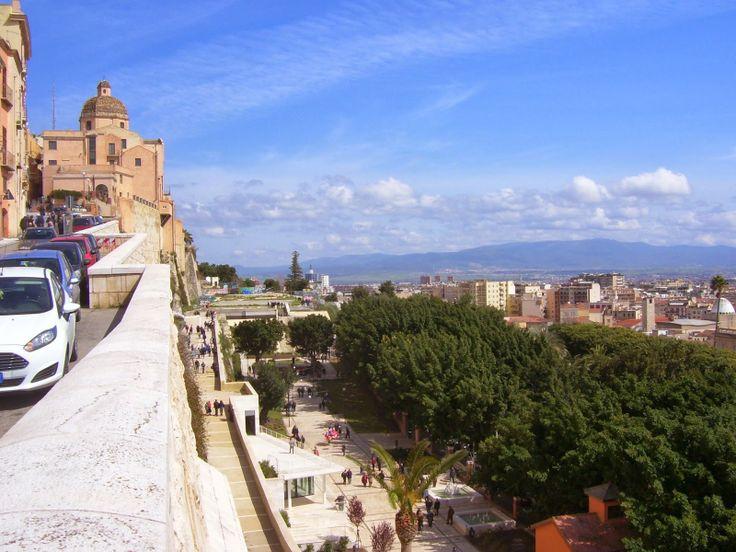 Travelogue Sardinia: Cagliari: Le sculture di Sciola nel Giardino sotto le Mura, Sardegna