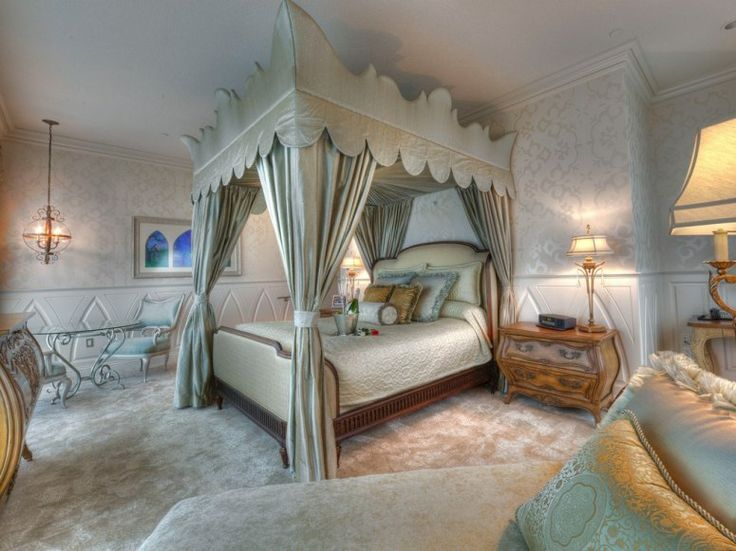 Disneyland's Fairytale Suite